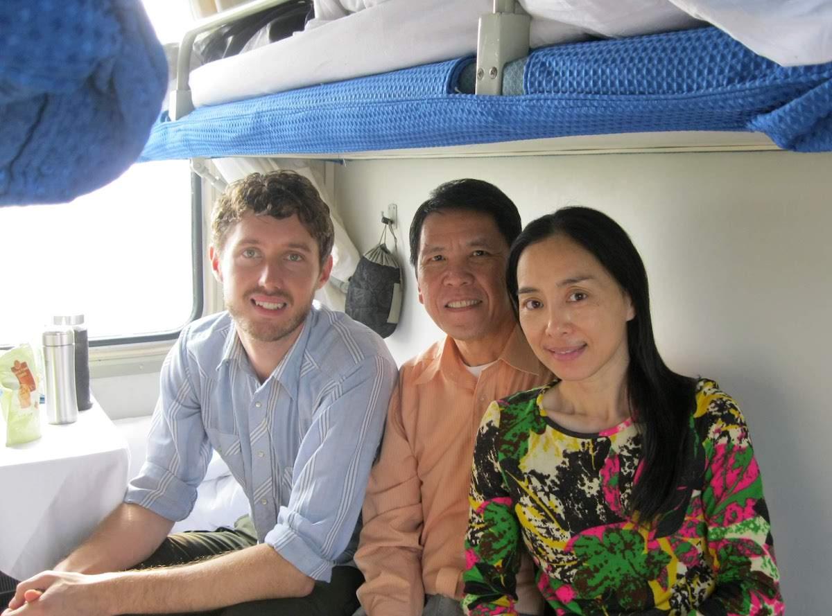 guilin train china travel