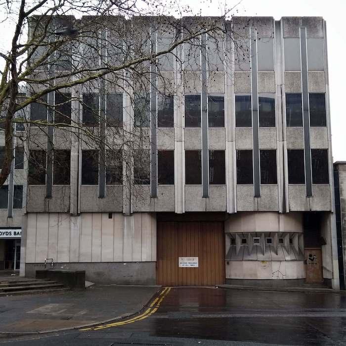 lloyds banking building